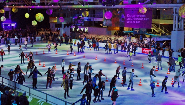 ice-rink-in-barcelona-for-christmas